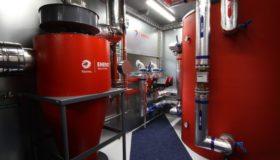 Lancering van het nieuwe verwarmingssysteem op biomassa bij Total Lichtenbusch