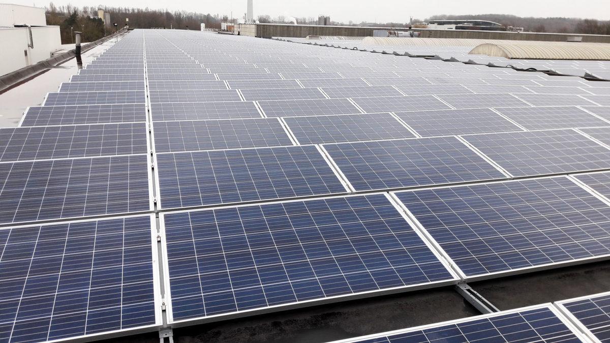 Financer sa rénovation de toiture par du photovoltaïque? C'est possible !
