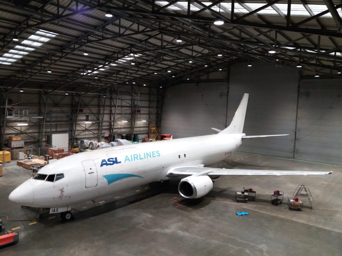 Relamping LED de l'atelier de la société ASL Airlines