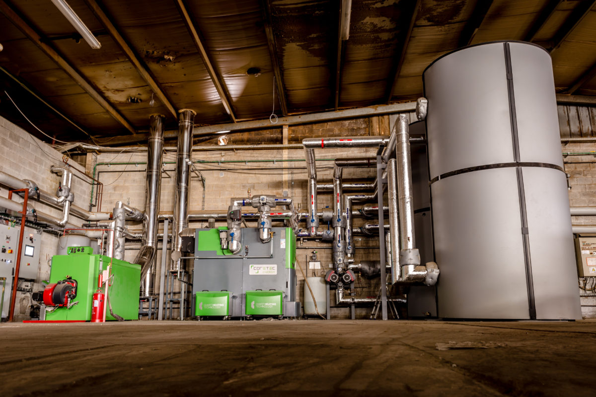Plaatsing van een biomassa stookinstallatie bij Ateliers du Saupont