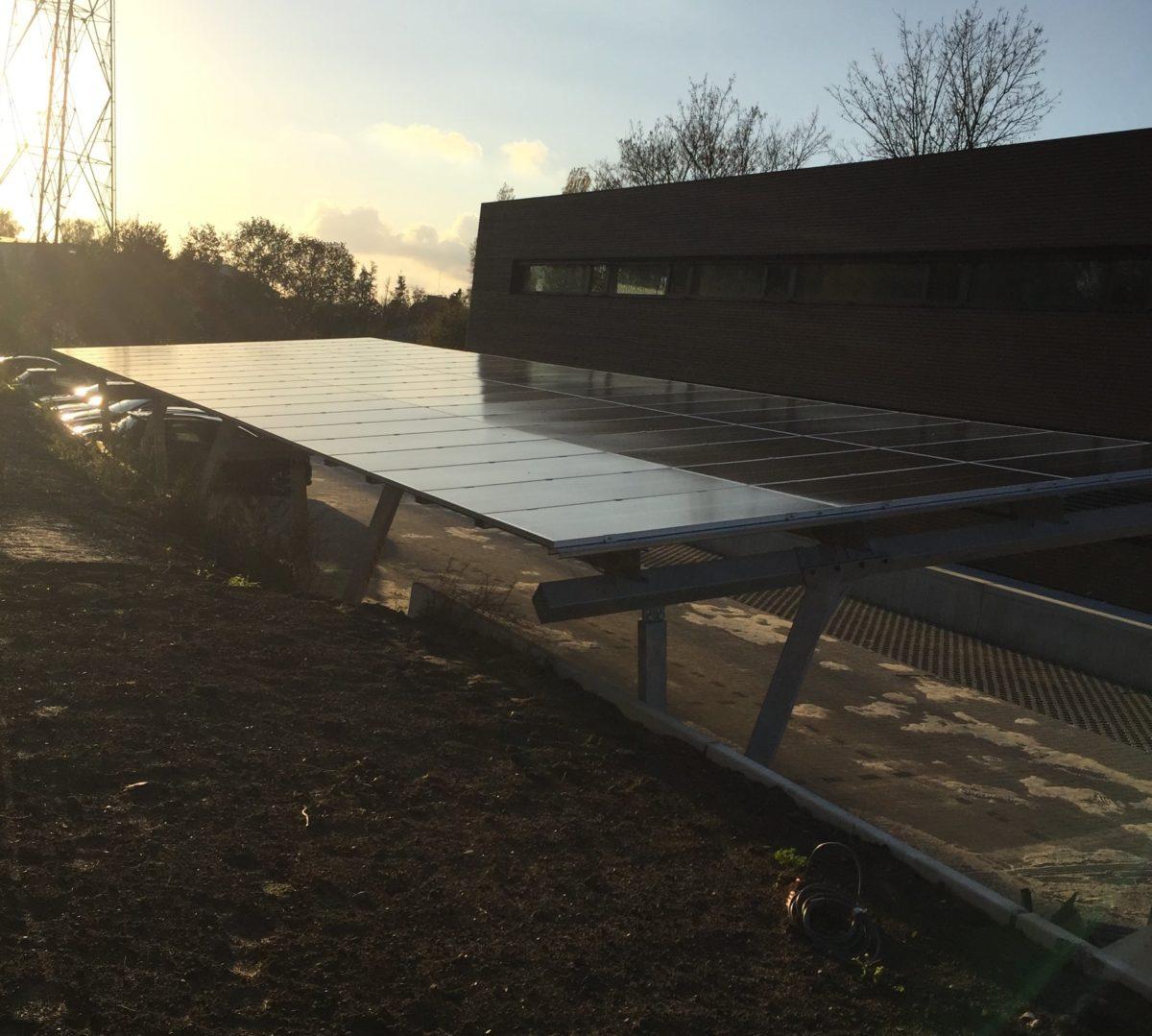 Installation d'un carport solaire chez Eurofides