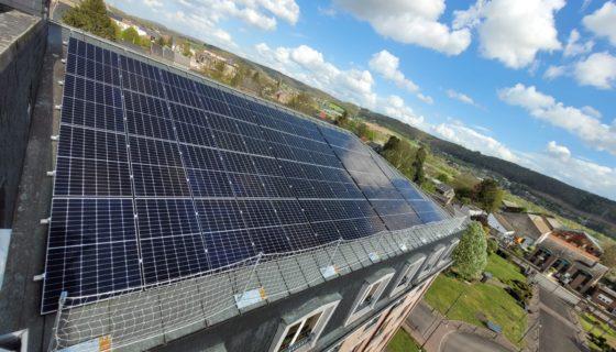 Installation de 250 panneaux photovoltaïques pour la société L'Esterel